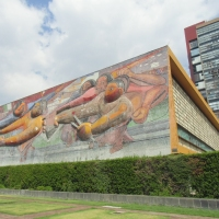 Respecto al comentario del Ejecutivo sobre la UNAM